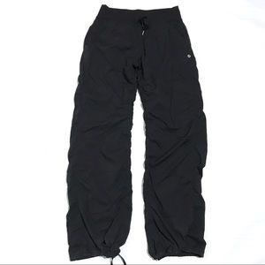 Lululemon studio dance pants Sz 8 black lined